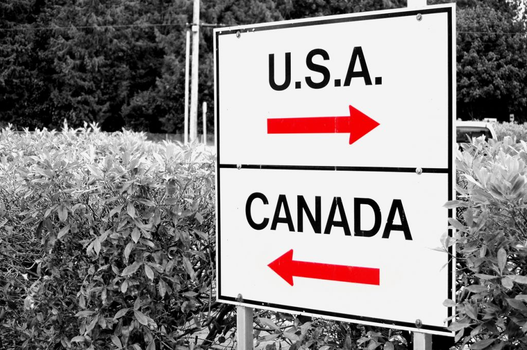Sign at the Canada-USA border